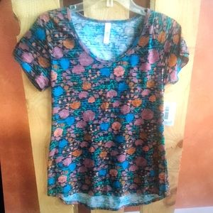 LuLaRoe Black Floral Classic T size small